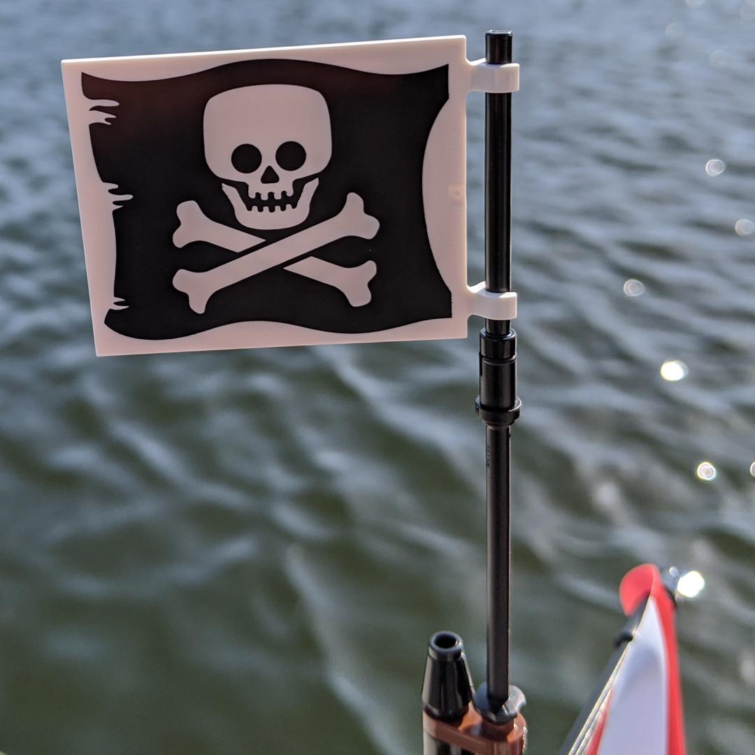 lego-ideas-21322-pirates-of-barracuda-bay-piraten-bucht-flagge-wasser-2020-zusammengebaut-andres-lehmann zusammengebaut.com