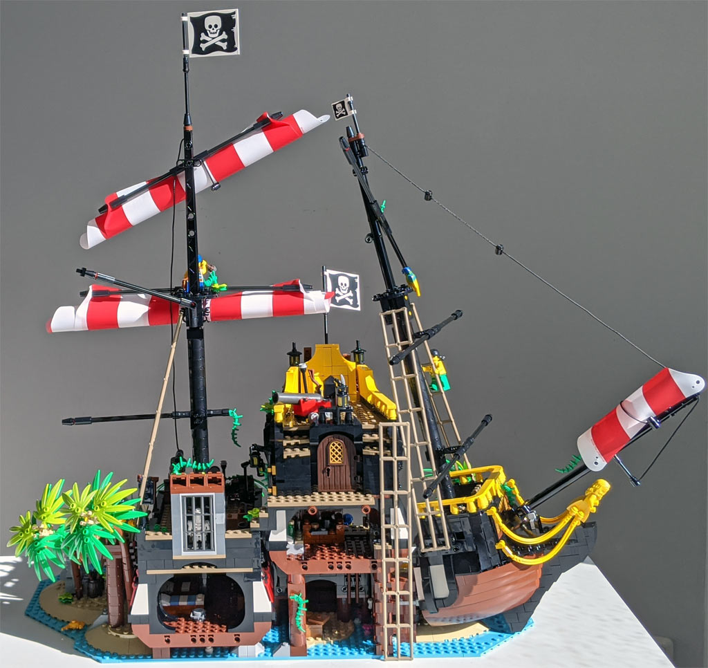 lego-ideas-21322-pirates-of-barracuda-bay-piraten-bucht-gesamtansicht-rueckseite-2020-zusammengebaut-andres-lehmann zusammengebaut.com