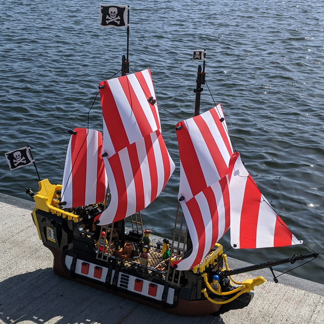 lego-ideas-21322-pirates-of-barracuda-bay-piraten-bucht-schiff-komplett-2020-zusammengebaut-andres-lehmann zusammengebaut.com