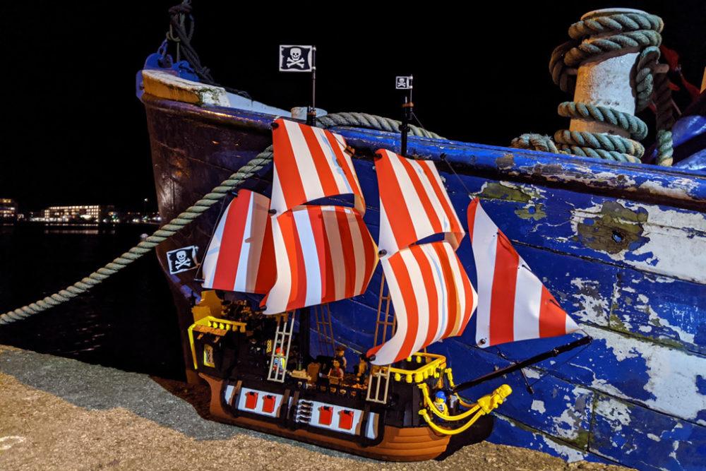 lego-ideas-21322-pirates-of-barracuda-bay-piraten-bucht-schiff-nacht-3-2020-zusammengebaut-andres-lehmann zusammengebaut.com