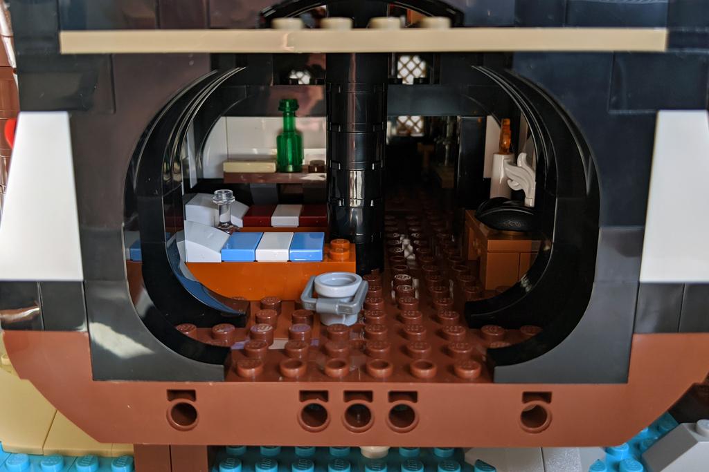 lego-ideas-21322-pirates-of-barracuda-bay-piraten-schlafgemacht-2020-zusammengebaut-andres-lehmann zusammengebaut.com