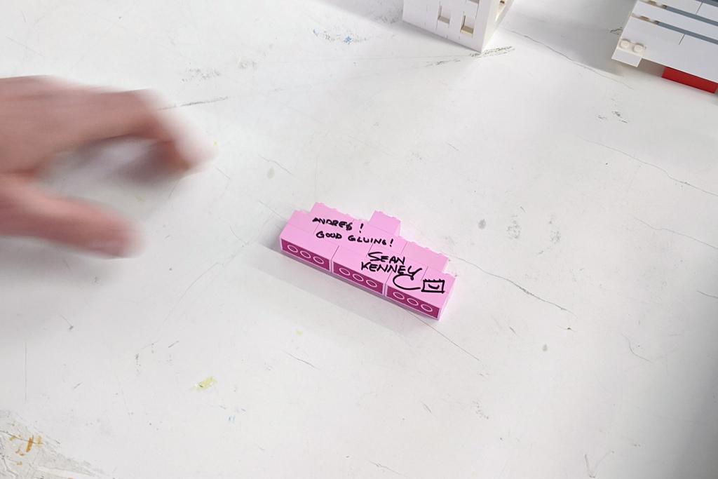 lego-kunst-studio-sean-kenney-bricks-2020-joshua-hanlon zusammengebaut.com