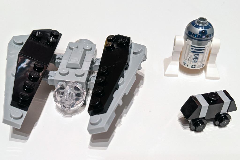 lego-star-wars-magazin-56-imperialer-tie-striker-57-r2-d2-2020-zusammengebaut-andres-lehmann zusammengebaut.com