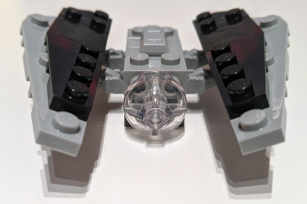lego-star-wars-magazin-56-imperialer-tie-striker-front-2020-zusammengebaut-andres-lehmann zusammengebaut.com
