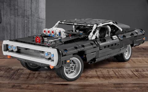 lego-technic-42111-doms-dodge-charger-front-tisch-2020 zusammengebaut.com