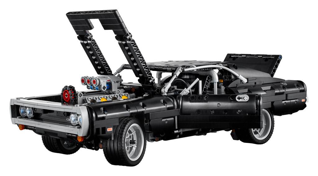 lego-technic-42111-doms-dodge-charger-motorhaube-2020 zusammengebaut.com