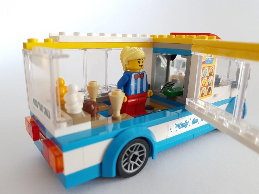lego_city_60253_eiswagen_offene_seite