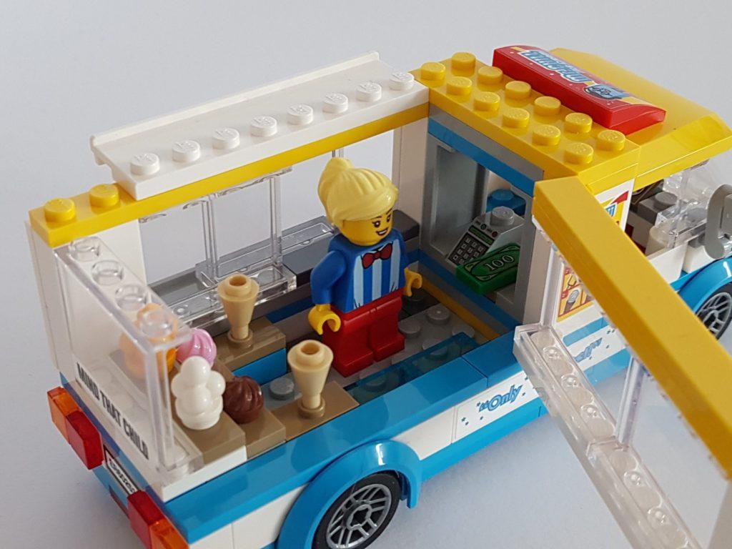 lego_city_60253_eiswagen_dach