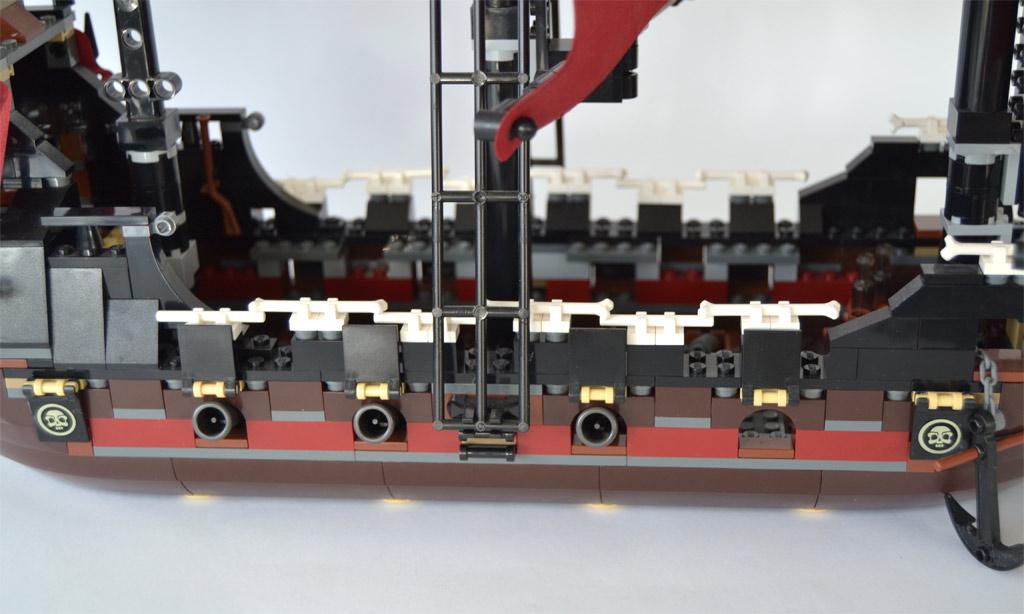 lego-fluch-der-karibik-4195-die-rache-der-koenigin-anne-jonas-3 zusammengebaut.com