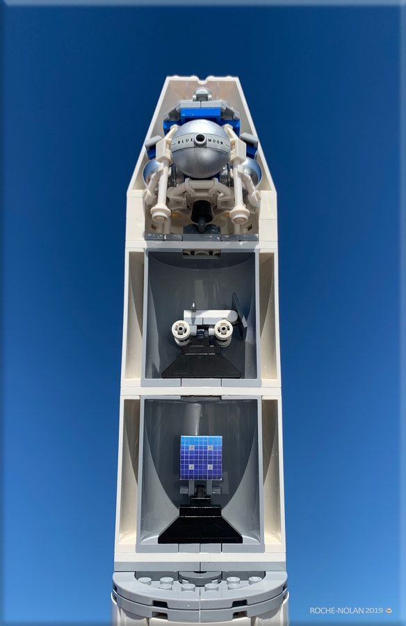 lego-ideas-blue-origin-new-glenn-rocket-launch-tower-blue-moon-lander-1-110-scale-set-matthew-nolan-4 zusammengebaut.com