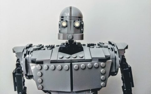 lego-ideas-the-iron-giant-20th-anniversary-edition-brettCuv zusammengebaut.com