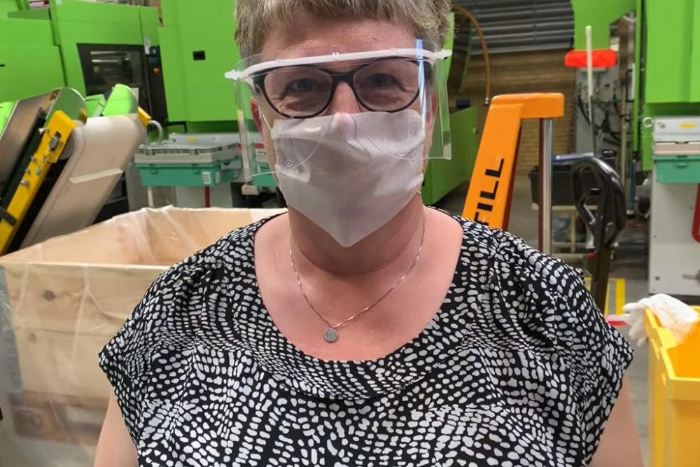 lego-schutzbrillen-fabrik-billund zusammengebaut.com
