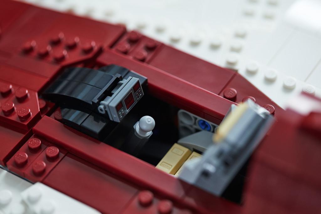 lego-star-wars-75275-ucs-a-wing-2020-1 zusammengebaut.com