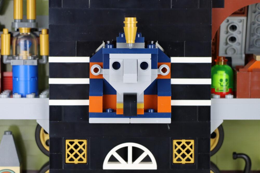 lego-10273-hautend-house-geisterhaus-auf-dem--jahrmarkt-fairground-edition-villa-adventure-2020-zusammengebaut-andres-lehmann zusammengebaut.com