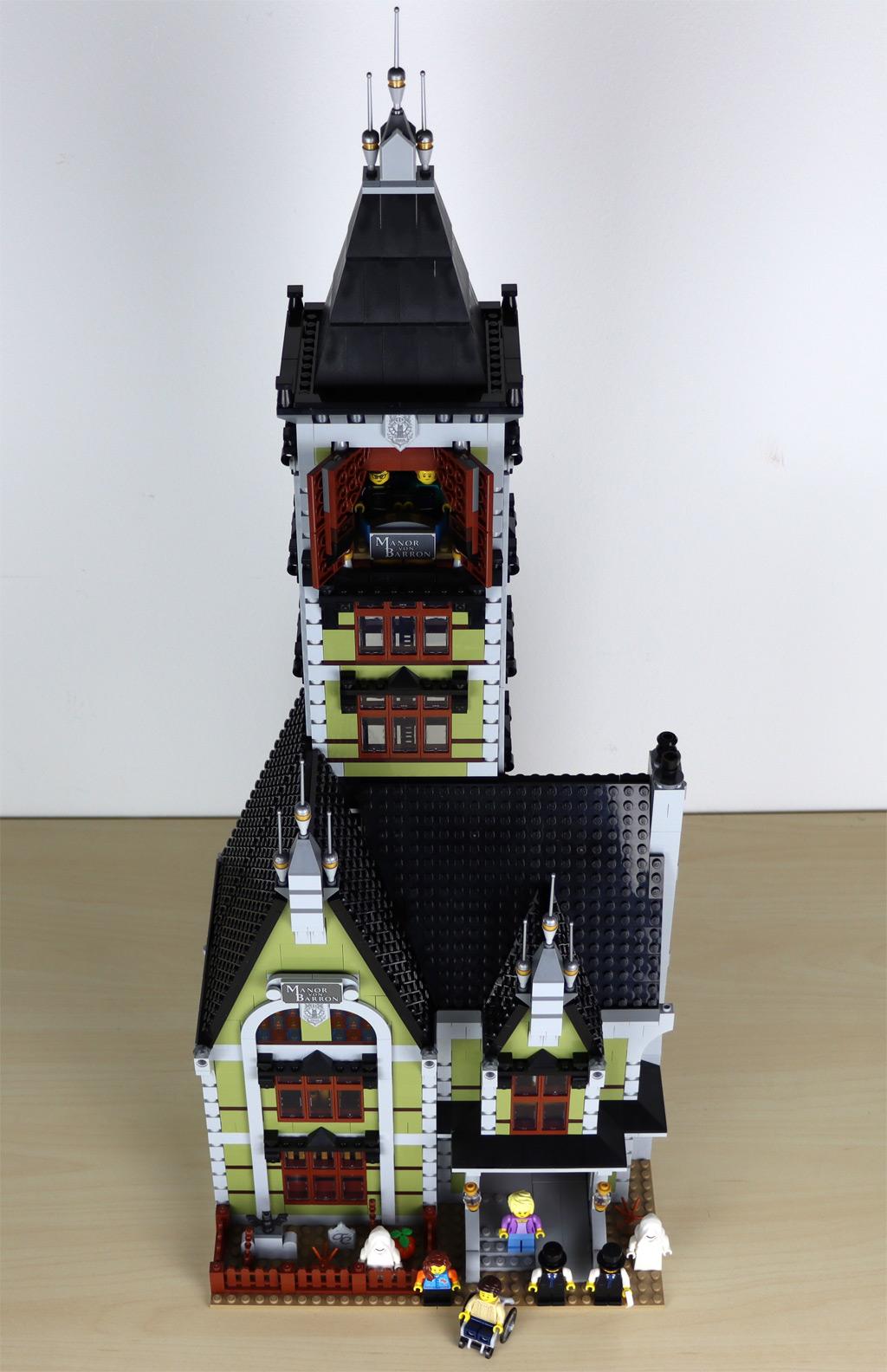 lego-10273-hautend-house-geisterhaus-auf-dem-jahrmarkt-fairground-edition-villa-front-komplett-2020-zusammengebaut-andres-lehmann zusammengebaut.com
