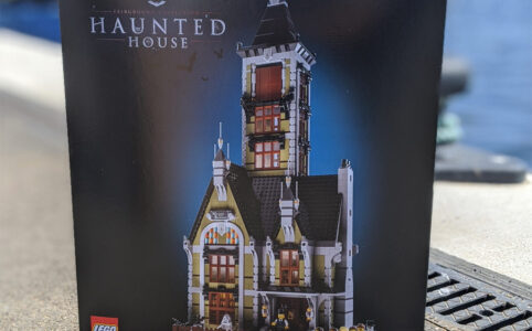 lego-fairground-collection-10273-haunted-house-box-2020-zusammengebaut-andres-lehmann zusammengebaut.com