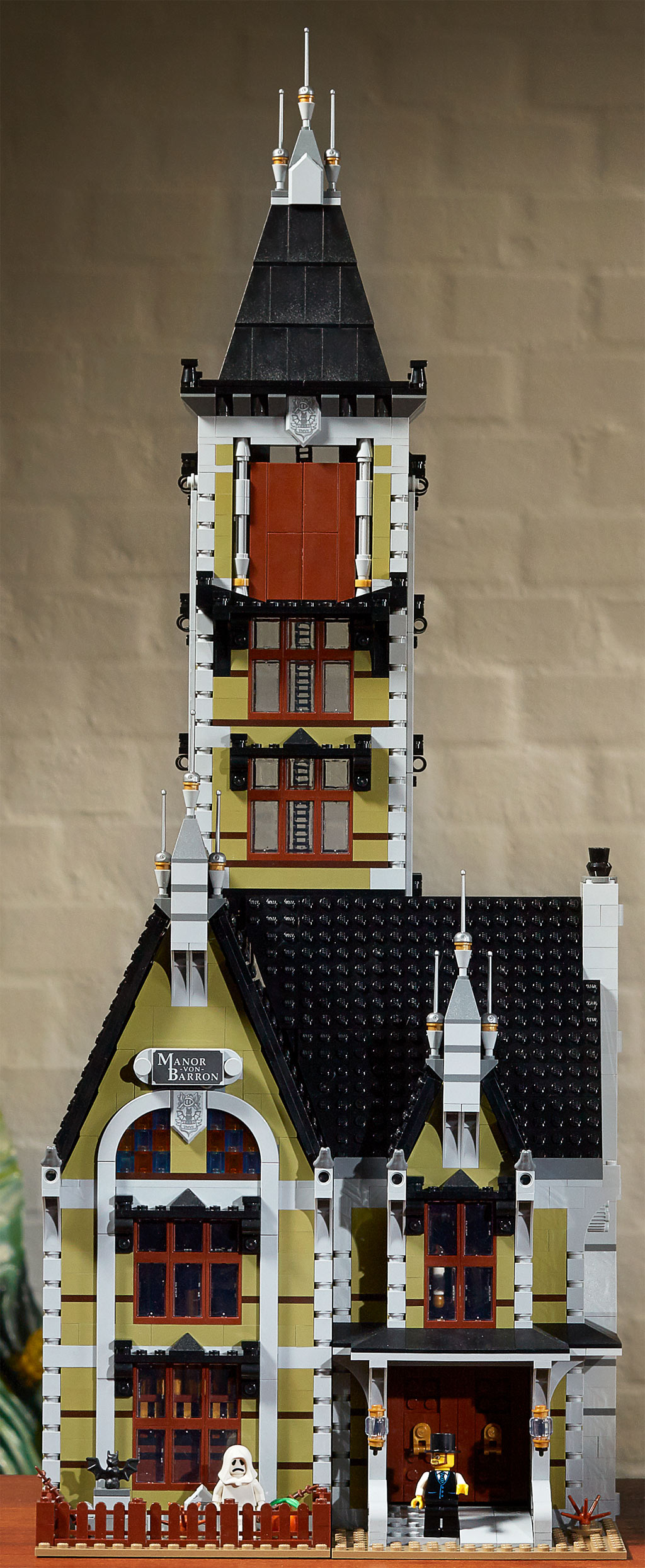 lego-fairground-collection-10273-haunted-house-spukhaus-2020-ansicht zusammengebaut.com