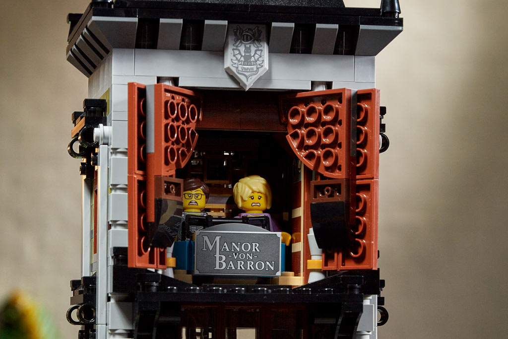 lego-fairground-collection-10273-haunted-house-spukhaus-2020-fahrt zusammengebaut.com