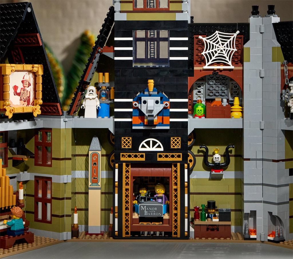 lego-fairground-collection-10273-haunted-house-spukhaus-2020-innenleben zusammengebaut.com