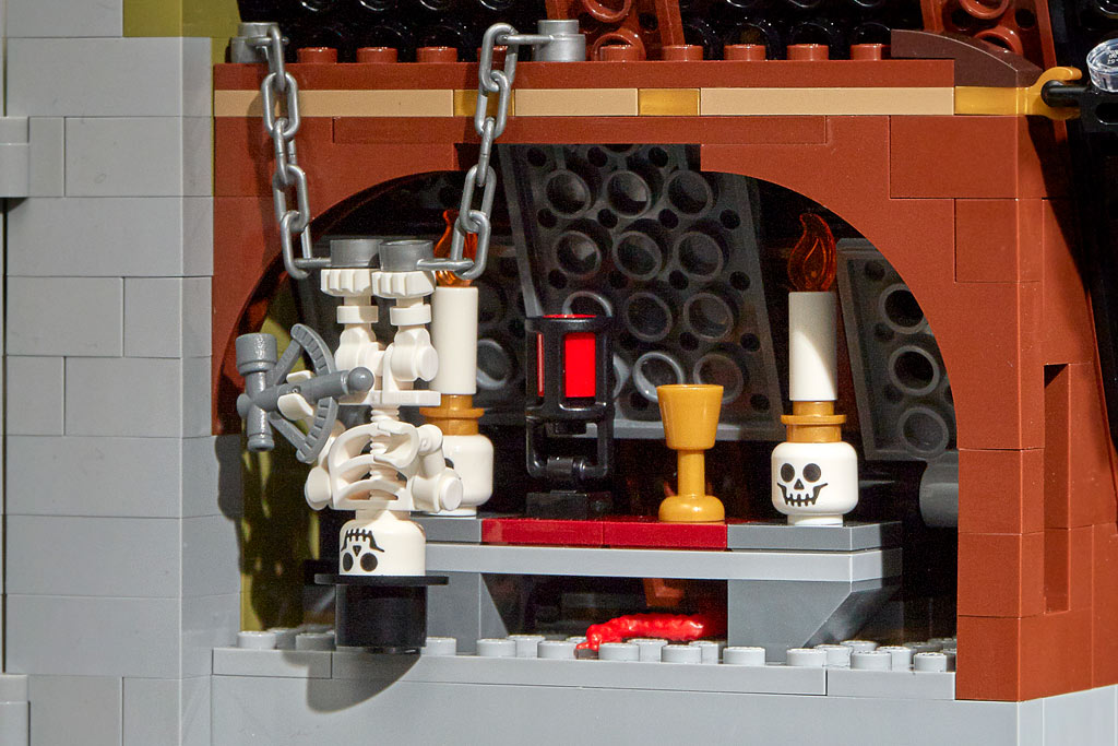 lego-fairground-collection-10273-haunted-house-spukhaus-2020-skelett zusammengebaut.com