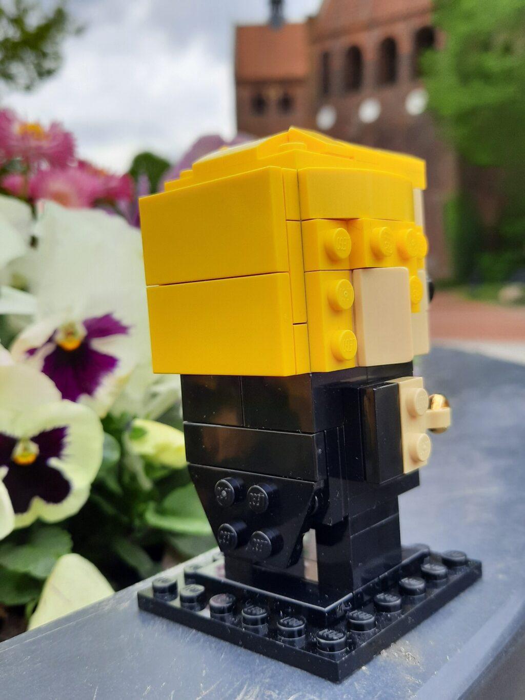 lego-brickheadzs-40384-bräutigam-hinten zusammengebaut.com