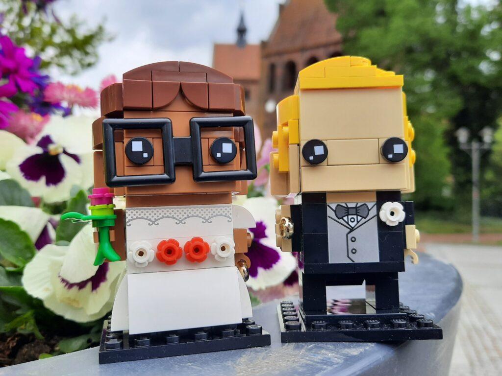 lego-brickheadzs-40383-braut-40384-bräutigam-titelbild zusammengebaut.com
