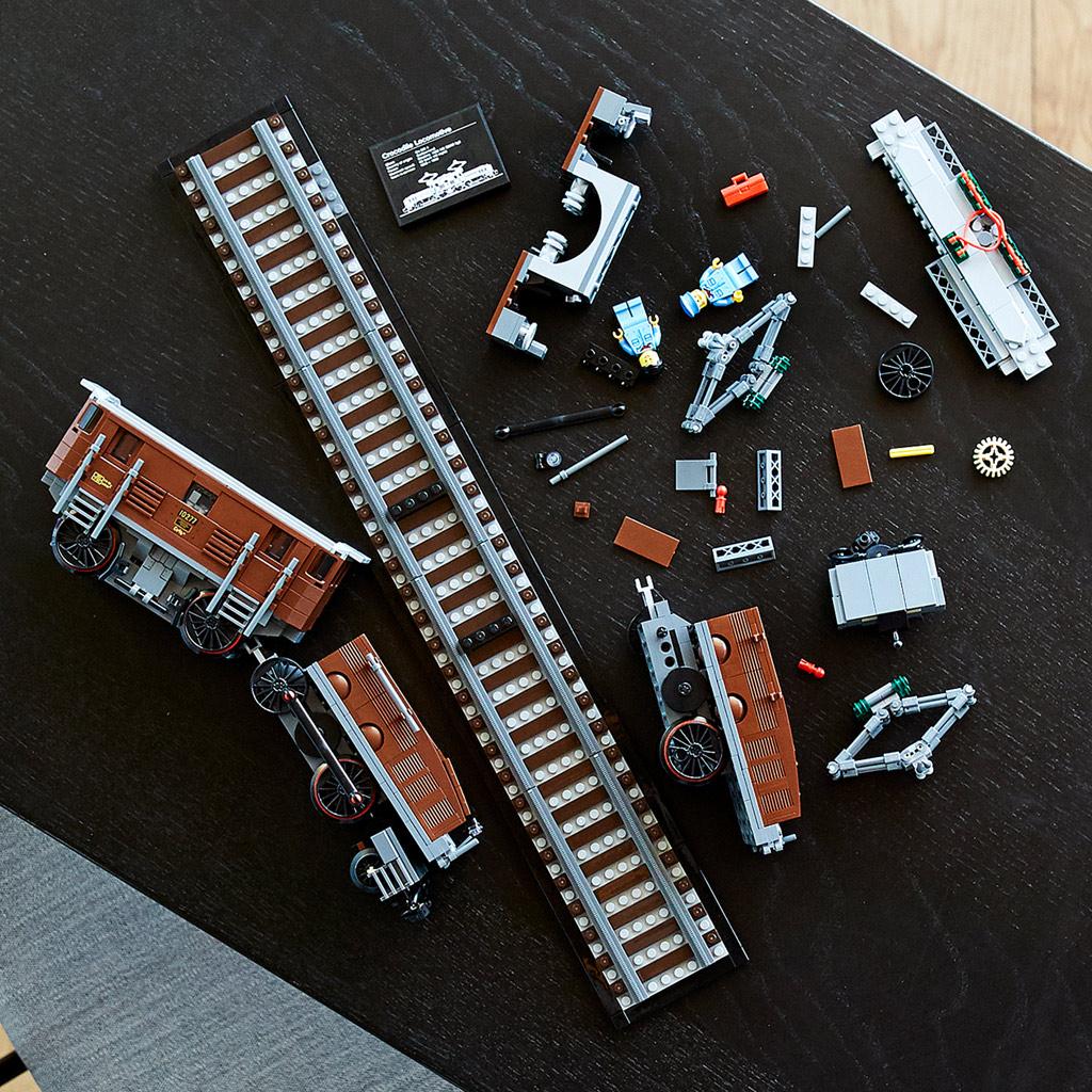 lego-10277-crocodile-locomotive-2020-kaputt zusammengebaut.com
