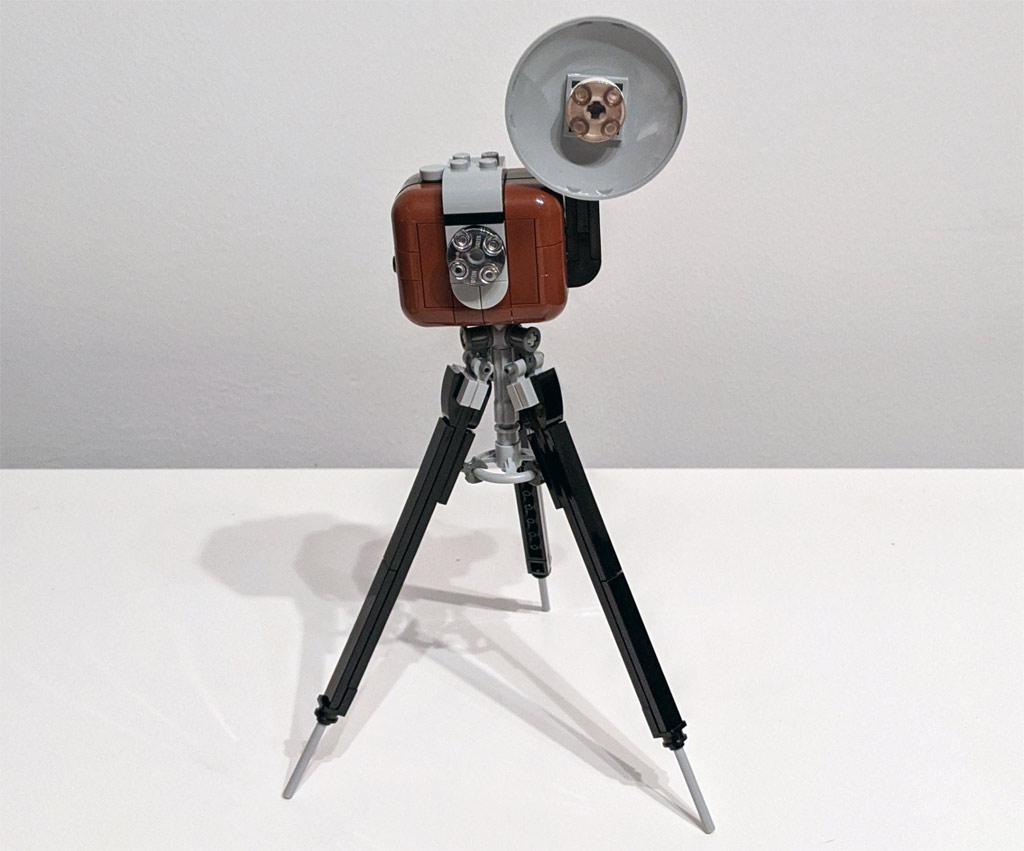 lego-43179-disney-mickey-mouse-minnie-mouse-2020-kamera-zusammengebaut-andres-lehmann zusammengebaut.com