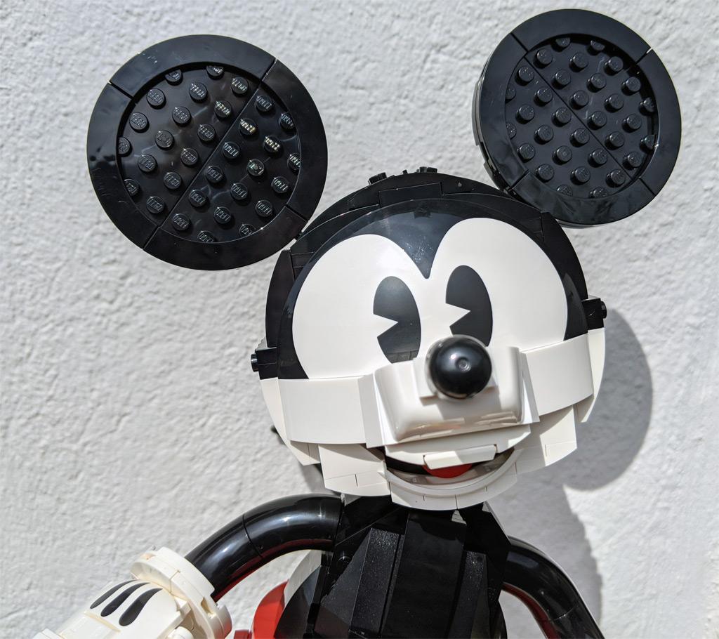 lego-43179-disney-mickey-mouse-minnie-mouse-gesicht-2020-zusammengebaut-andres-lehmann zusammengebaut.com