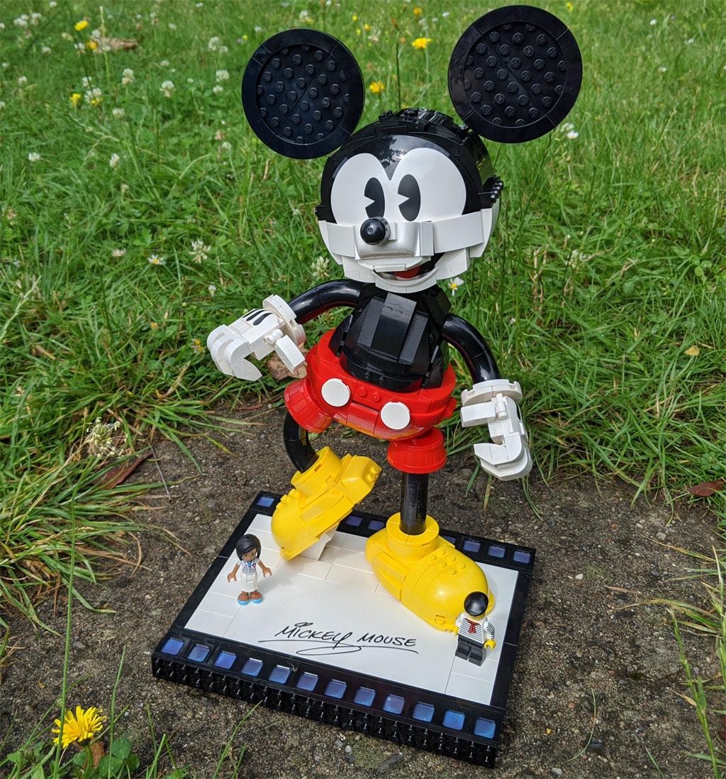 lego-43179-disney-mickey-mouse-minnie-mouse-groessenvergleich-2020-zusammengebaut-andres-lehmann zusammengebaut.com