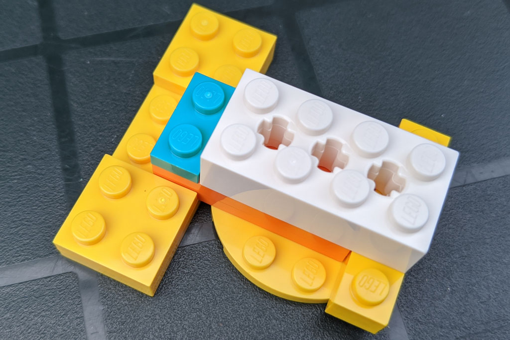 lego-43179-disney-mickey-mouse-minnie-mouse-spike-2020-zusammengebaut-andres-lehmann zusammengebaut.com
