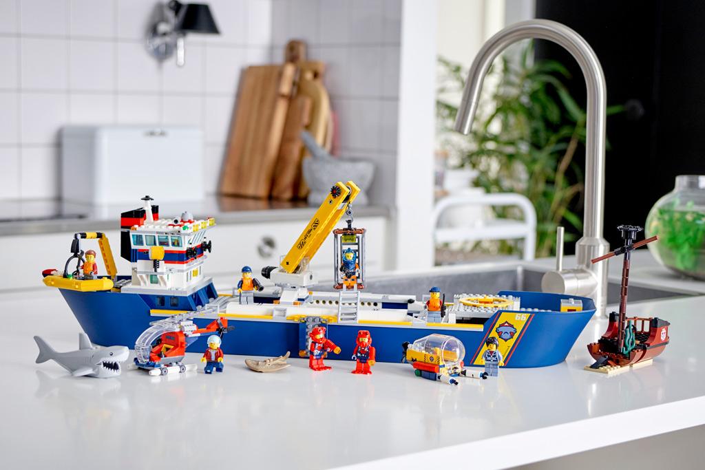 lego-city-60266-meeresforschungsschiff zusammengebaut.com