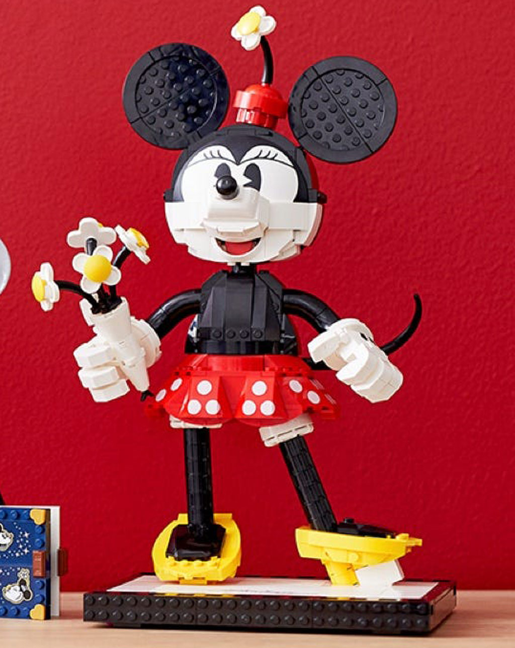 lego-disney-43179-mickey-mouse-and-minnie-mouse-buildable-characters-minnie-maus-2020 zusammengebaut.com