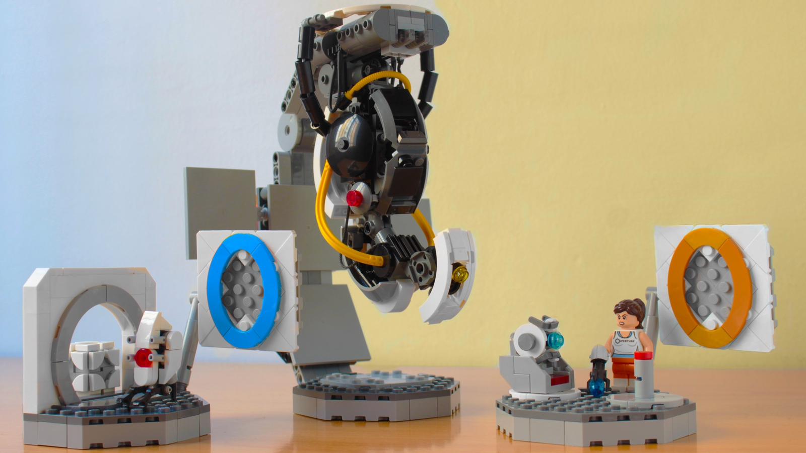 lego-ideas-portal-2-gloados-vs-chell-and-wheatley-hachiroku24-1 zusammengebaut.com