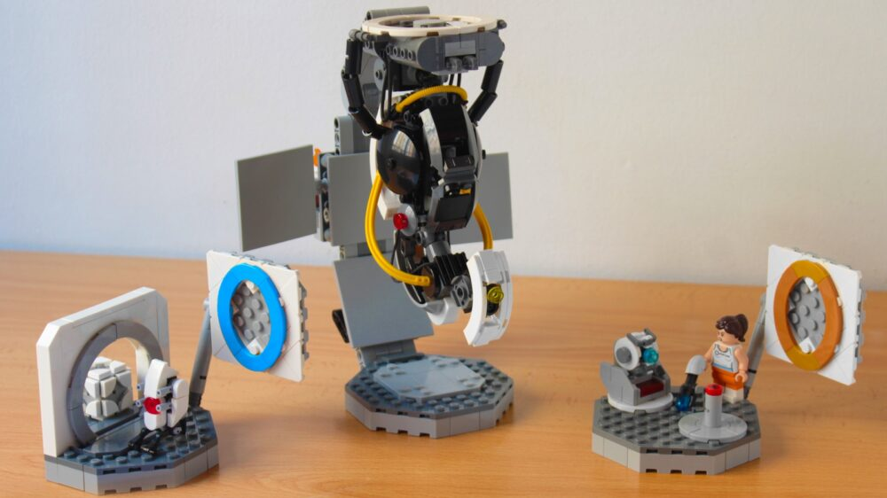 lego-ideas-portal-2-gloados-vs-chell-and-wheatley-hachiroku24 zusammengebaut.com
