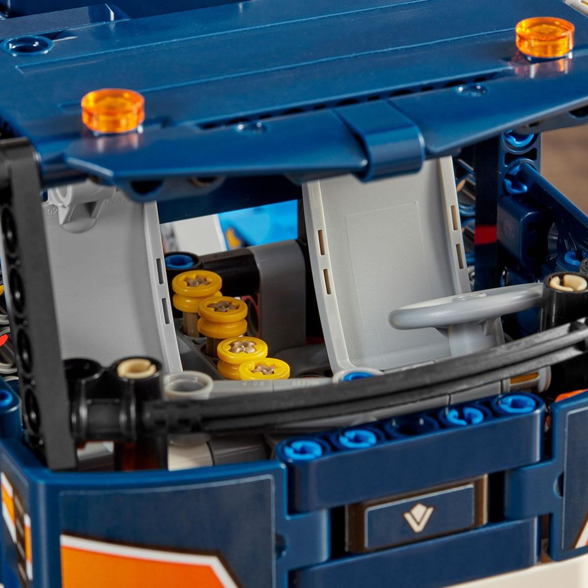 lego-technic-42112-betonmischer-lkw-2020-cockpit zusammengebaut.com