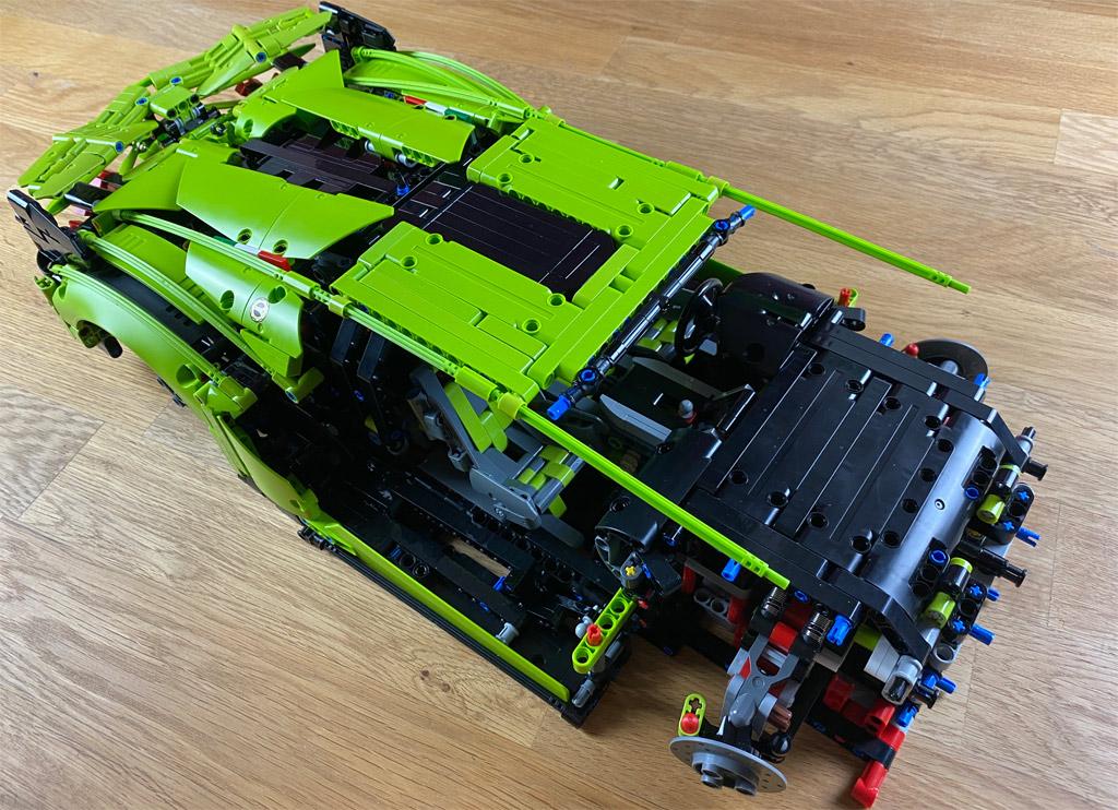 lego-technic-42115-lamborghini-sian-fkp-37-2020-entsteht-zusammengebaut-matthias-kuhnt zusammengebaut.com