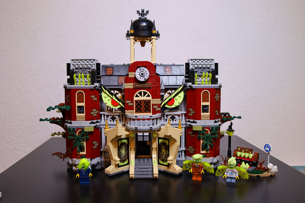 lego-hidden-side-70425-newburys-spukende-schule-zusammengebaut-rebecca-hahn zusammengebaut.com