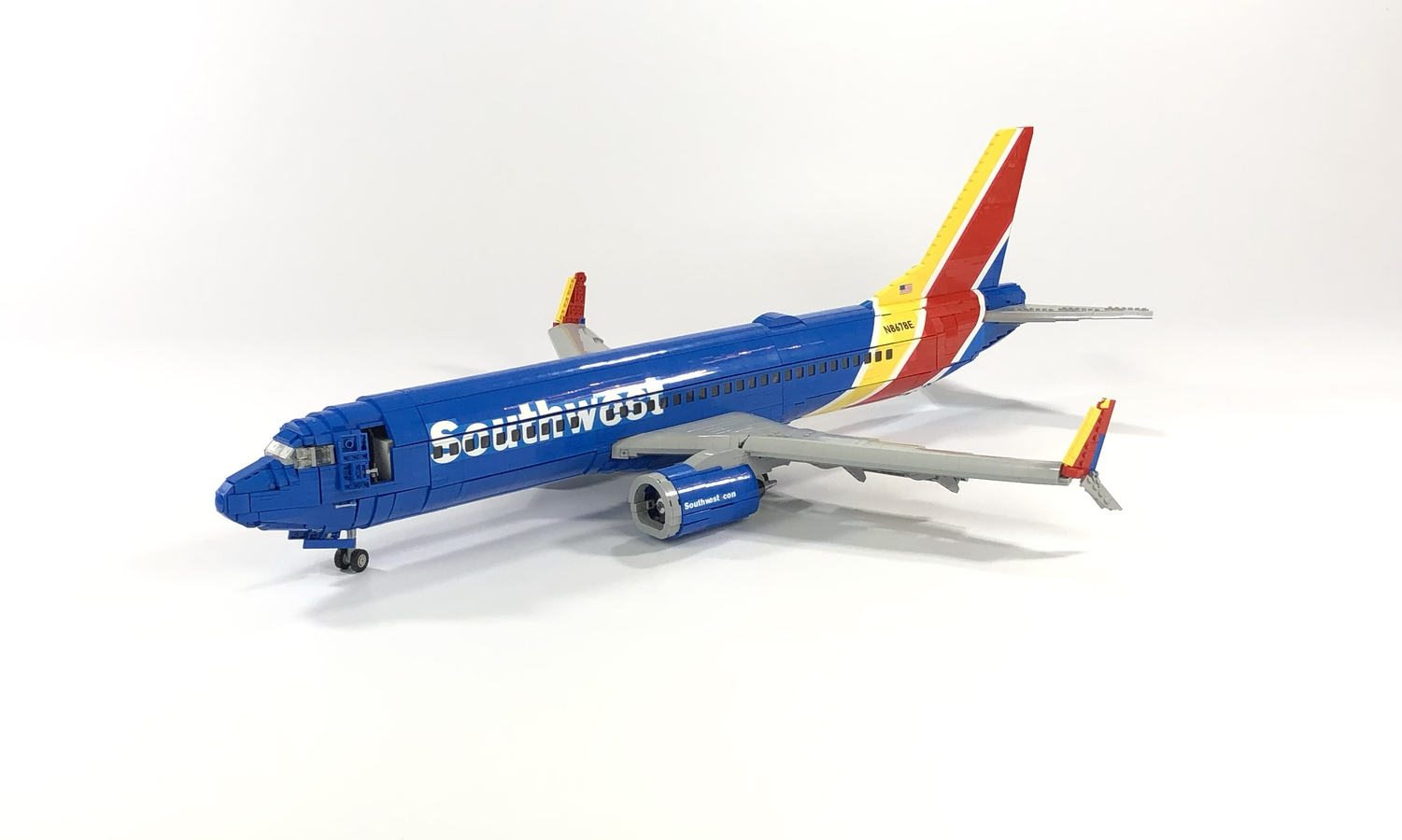 lego-ideas-southwest-737-800-bigplanes-customs-1 zusammengebaut.com