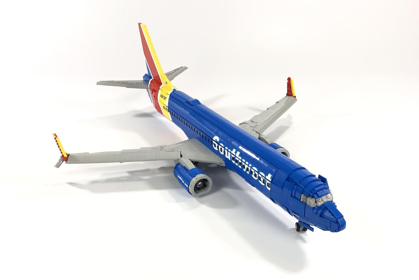 lego-ideas-southwest-737-800-bigplanes-customs-2 zusammengebaut.com