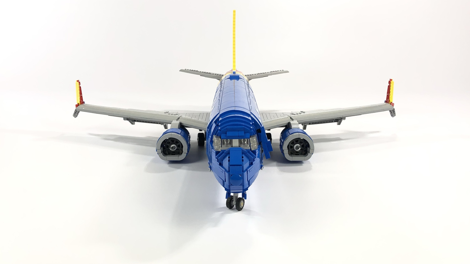 lego-ideas-southwest-737-800-bigplanes-customs-3 zusammengebaut.com