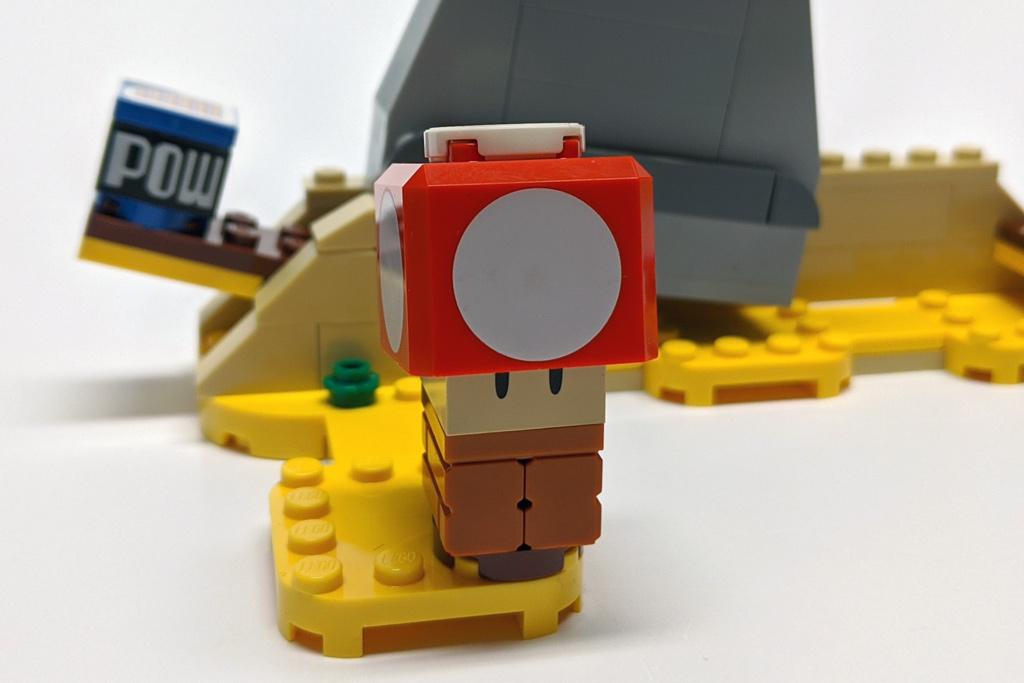 lego-super-mario-40414-monty-maulwurf-und-superpilz-erweiterungsset-4-2020-zusammengebaut-andres-lehmann zusammengebaut.com