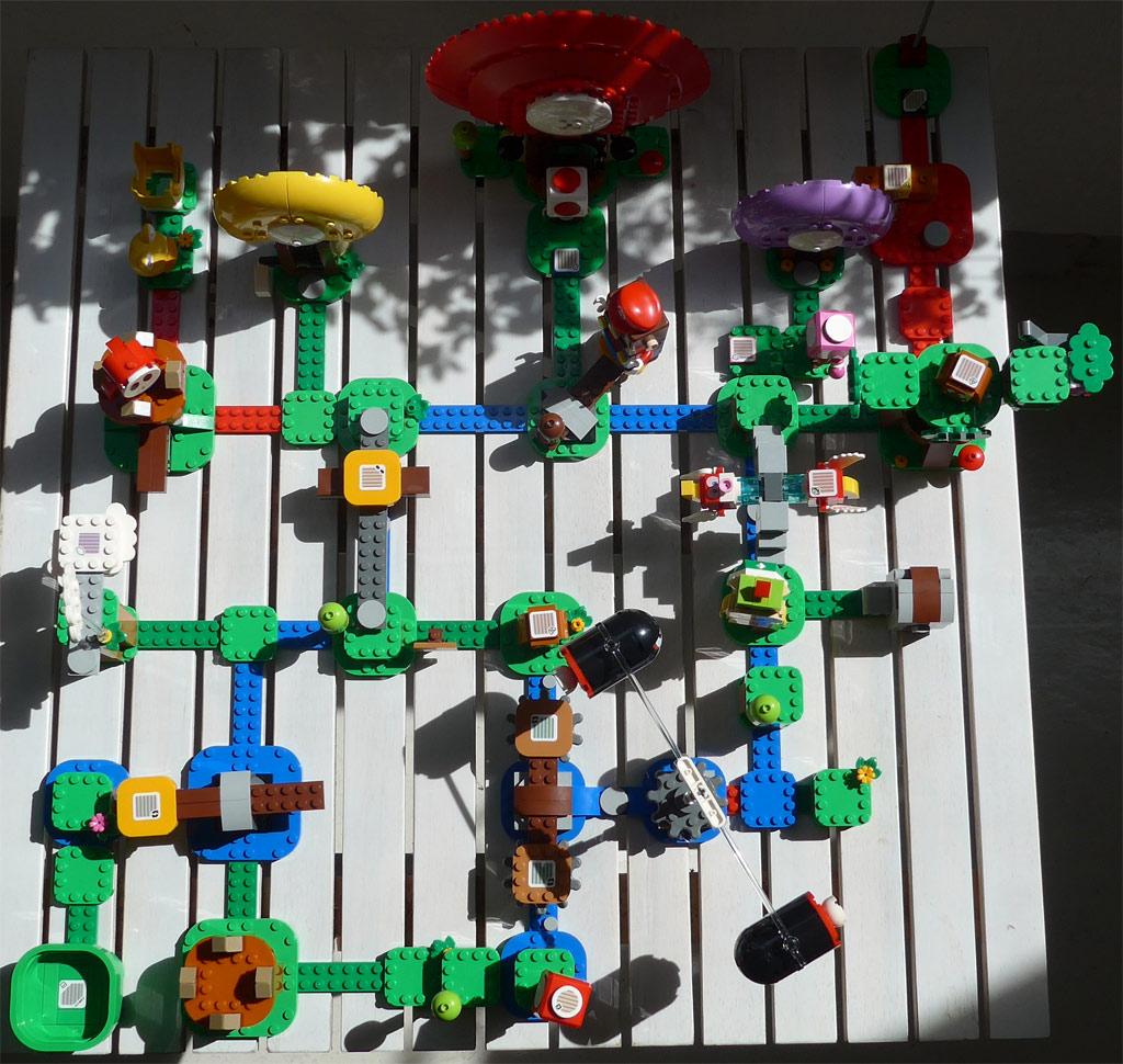 lego-super-mario-71360-abenteuer-mit-mario-2020-1-zusammengebaut-grizzlybeere zusammengebaut.com