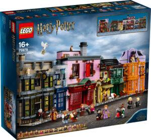 lego-harry-potter-75978-winkelgasse-2020-box-front zusammengebaut.com