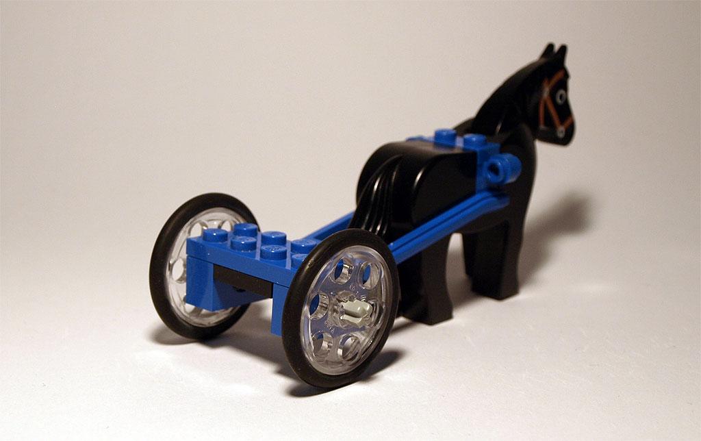 Transparente LEGO Technik Riemenscheibe als Rad.