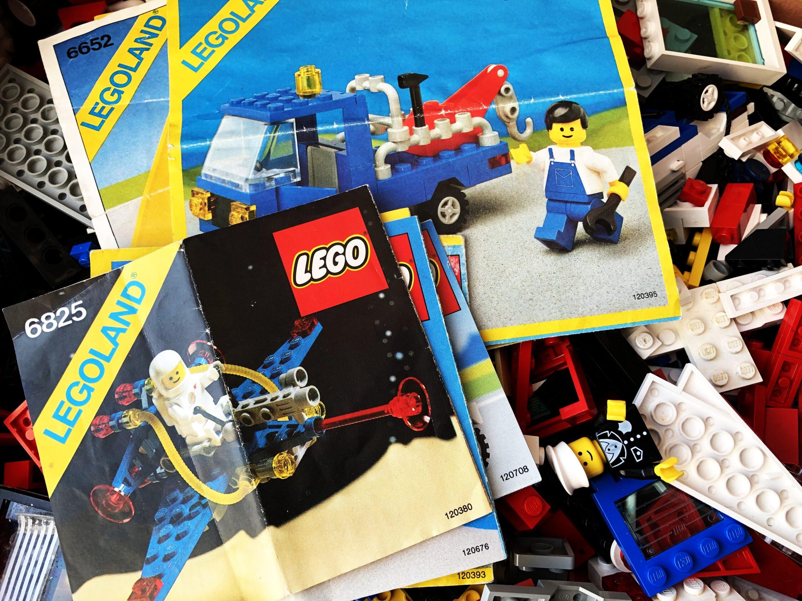 LEGO 6656 Reparatur- und Abschleppwagen und der 6825 F2-Flügelgleiter aus dem Jahr 1985