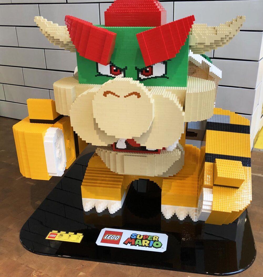 Bowser im LEGO House im LEGO Store in Billund