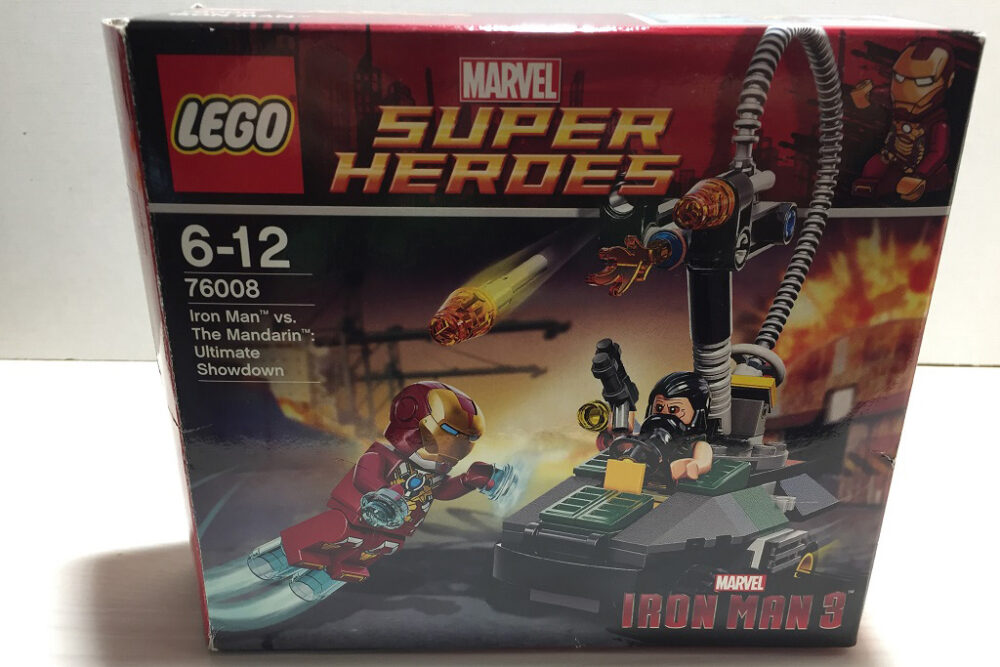 LEGO 76008 Iron Man vs Mandarin: Ultimate Showdown