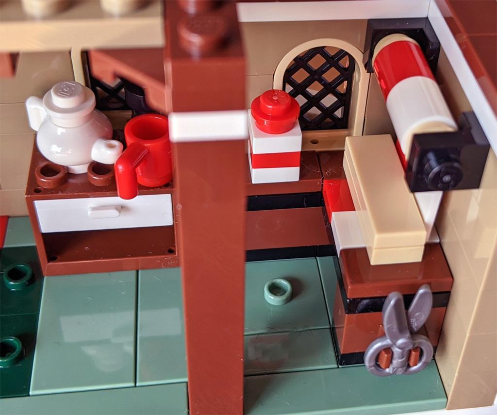 LEGO 18+ 10275 Elfen-Klubhaus Geschenkpapierpackstation