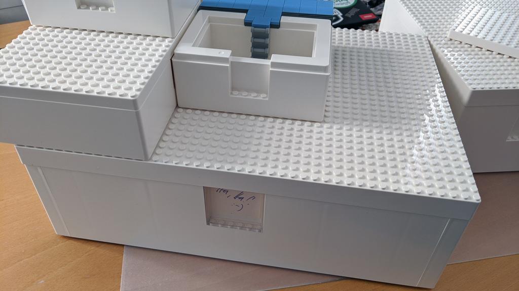 LEGO IKEA BYGGLEK Box gestapelt